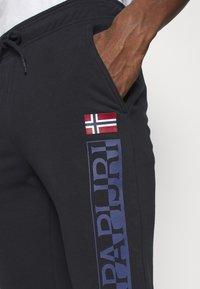Napapijri - ICE - Teplákové kalhoty - blu marine - 4