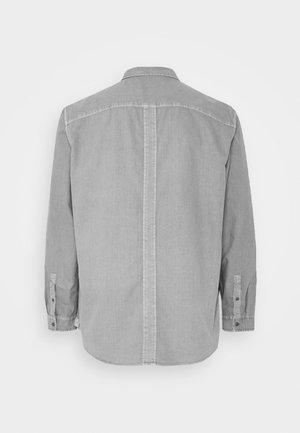 GARMENT DYE - Shirt - light grey