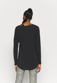 GAP - BREATHE - Long sleeved top - true black - 2