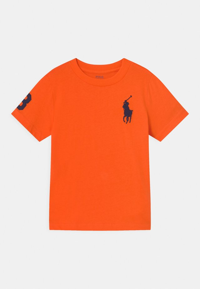 T-shirt con stampa - sailing orange
