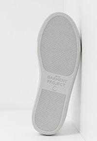 GARMENT PROJECT - TYPE - Matalavartiset tennarit - white/light grey - 6