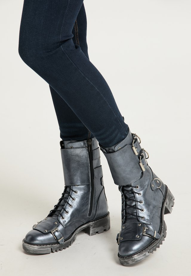 Cowboy/biker ankle boot - silber