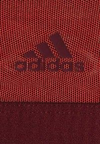 adidas Performance - COMPRESSION WORKOUT BRA LIGHT SUPPORT - Urheiluliivit: kevyt tuki - legend red/maroon - 5