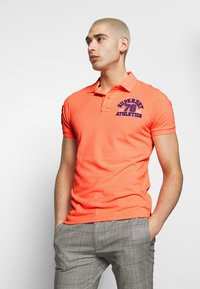 Superdry - CLASSIC SUPERSTATE - Polo - cabana coral grit - 0