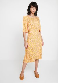 Nümph - KISMET DRESS - Day dress - peach - 0