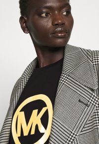 MICHAEL Michael Kors - LOGO CLASSIC TEE - Print T-shirt - black - 3