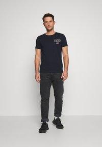 Tommy Hilfiger - YACHT CLUB TEE - Print T-shirt - blue - 1