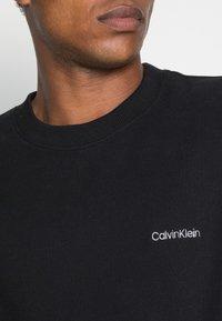 Calvin Klein - LOGO EMBROIDERY - Collegepaita - black - 4
