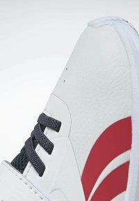 Reebok - RUSH  - Hardloopschoenen neutraal - white - 8