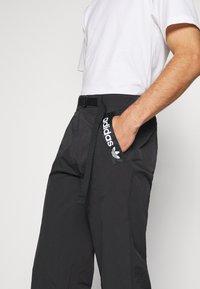 adidas Originals - TRIAL PANT - Tygbyxor - black - 5