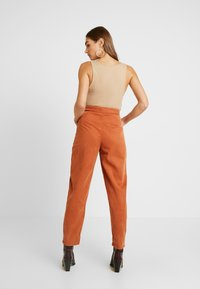 Topshop - UTILITY POCKET TROUSER - Trousers - rust - 2