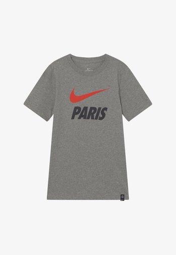 PARIS ST GERMAIN TEE GROUND