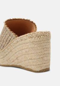 Kanna - CAPRI - Heeled mules - natural/beige - 5