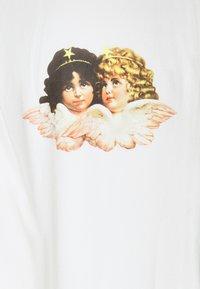 Fiorucci - ANGELS PATCH JOGGER  - Pantaloni sportivi - white - 2