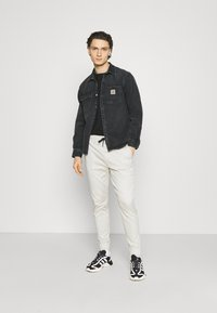 Hollister Co. - JOGGER CORE - Trousers - moonstruck grey - 1