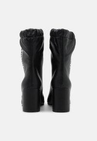 F_WD - Kotníkové boty - black - 3
