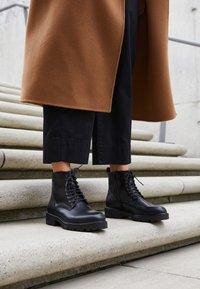 Vagabond - KENOVA - Lace-up ankle boots - black - 4