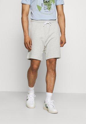 Shorts - light mist heather