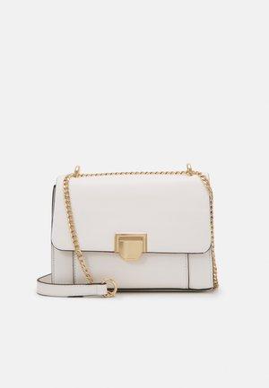 CROSSBODY BAG LAVANDA - Across body bag - white