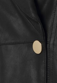 DEPECHE - BLOUSE - Print T-shirt - black - 2