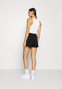 Gina Tricot - ABBIE - Shorts - black - 2