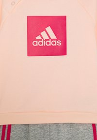 adidas Performance - LOGO SET UNISEX - Chándal - haze coral/power pink/medium grey heather/power pink - 3