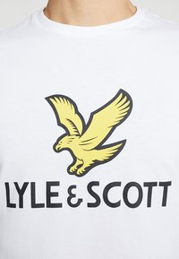 Lyle & Scott - LOGO - T-shirt con stampa - white - 5