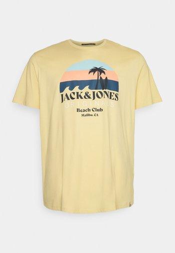 JORCABANA TEE CREW NECK - Print T-shirt - sahara sun