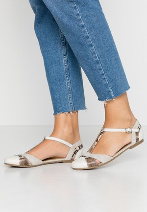 LEATHER BALLERINAS - Sandals - grey