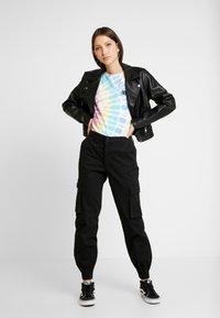 ONLY - ONLBETSY ALVA PANT - Cargo trousers - black - 1