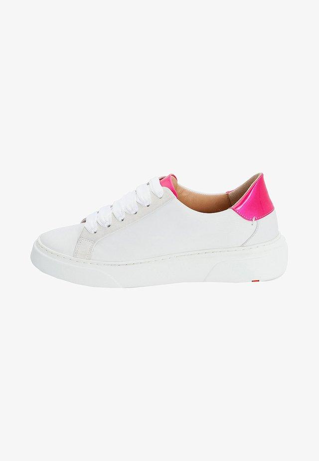 SNEAKER MIT HOHEM PLATEAU - Sneakers laag - white