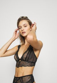 Ann Summers - KNICKERBOX PLANET BY ANN SUMMERS-THE ADMIRER BRALETTE - Bustier - black - 2