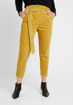 CROPPED PANT WITH SELF BELT DETAIL - Trousers - mustard