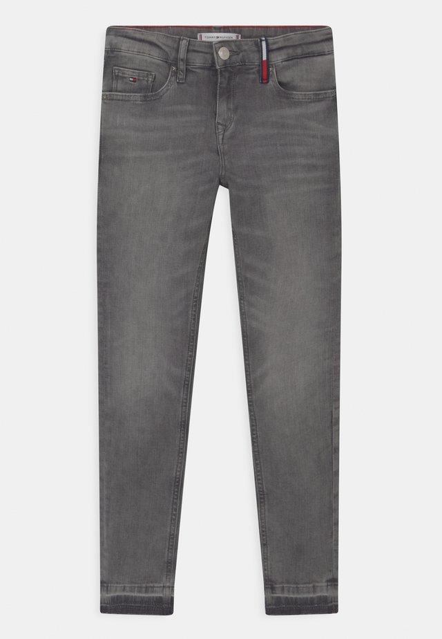 NORA SKINNY - Jeans Skinny - concrete grey