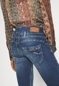 Freeman T. Porter - AMELIE - Straight leg jeans - frenchy - 4