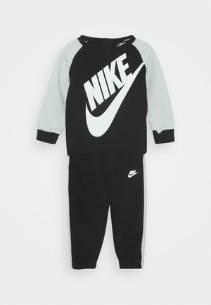 OVERSIZED FUTURA CREW BABY SET - Trainingsanzug - black
