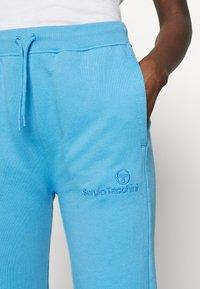 Sergio Tacchini - AMANDA PANTS - Teplákové kalhoty - azure blue - 4