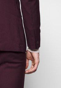 Limehaus - SUIT SLIM FIT - Kostym - bordeaux - 4