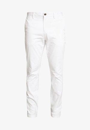 DENTON FLEX - Chinosy - white