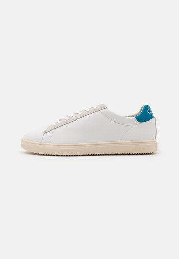 BRADLEY - Sneakers laag - white/mykonos blue