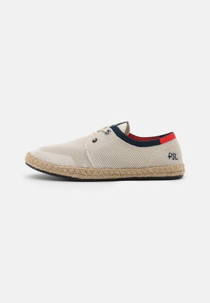 TOURIST SAILOR - Casual lace-ups - factory white