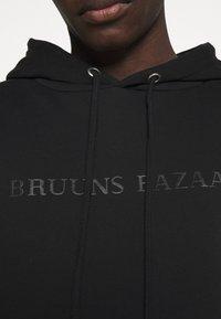 Bruuns Bazaar - BERTIL HOODIE - Felpa - black - 4