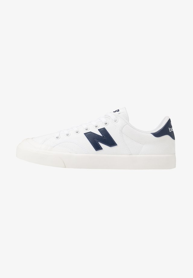 PRO COURT - Sneakersy niskie - white/blue