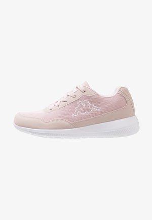 FOLLOW - Chaussures d'entraînement et de fitness - flieder/white
