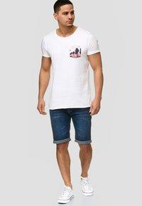 INDICODE JEANS - CUBA CADEN - Denim shorts - blau - 1
