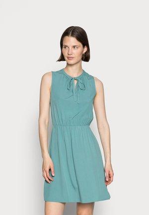 SLEEVELES TIE DETAIL DRESS - Sukienka letnia - light green