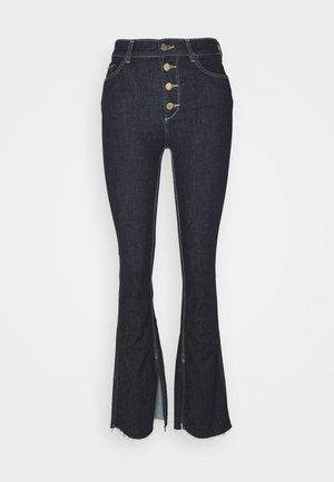 BRIDGET HIGH RISE BOOTCUT - Široké džíny - indigo