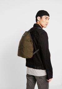 Bag N Noun - CANADA FLAP SAC - Rucksack - olive - 1