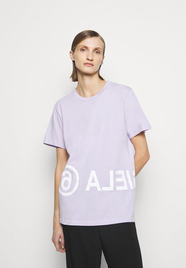 T-shirt imprimé - lilac