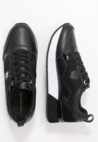 Tommy Hilfiger - TOMMY DRESS CITY SNEAKER - Sneaker low - black - 3